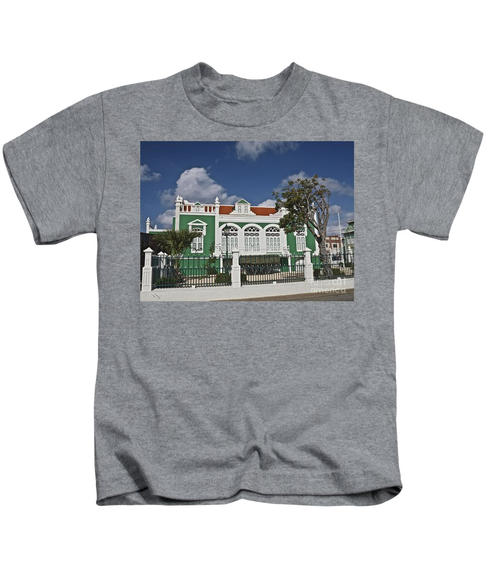 Architecture Kids T-Shirt featuring the photograph Aruba059 by Howard Stapleton
