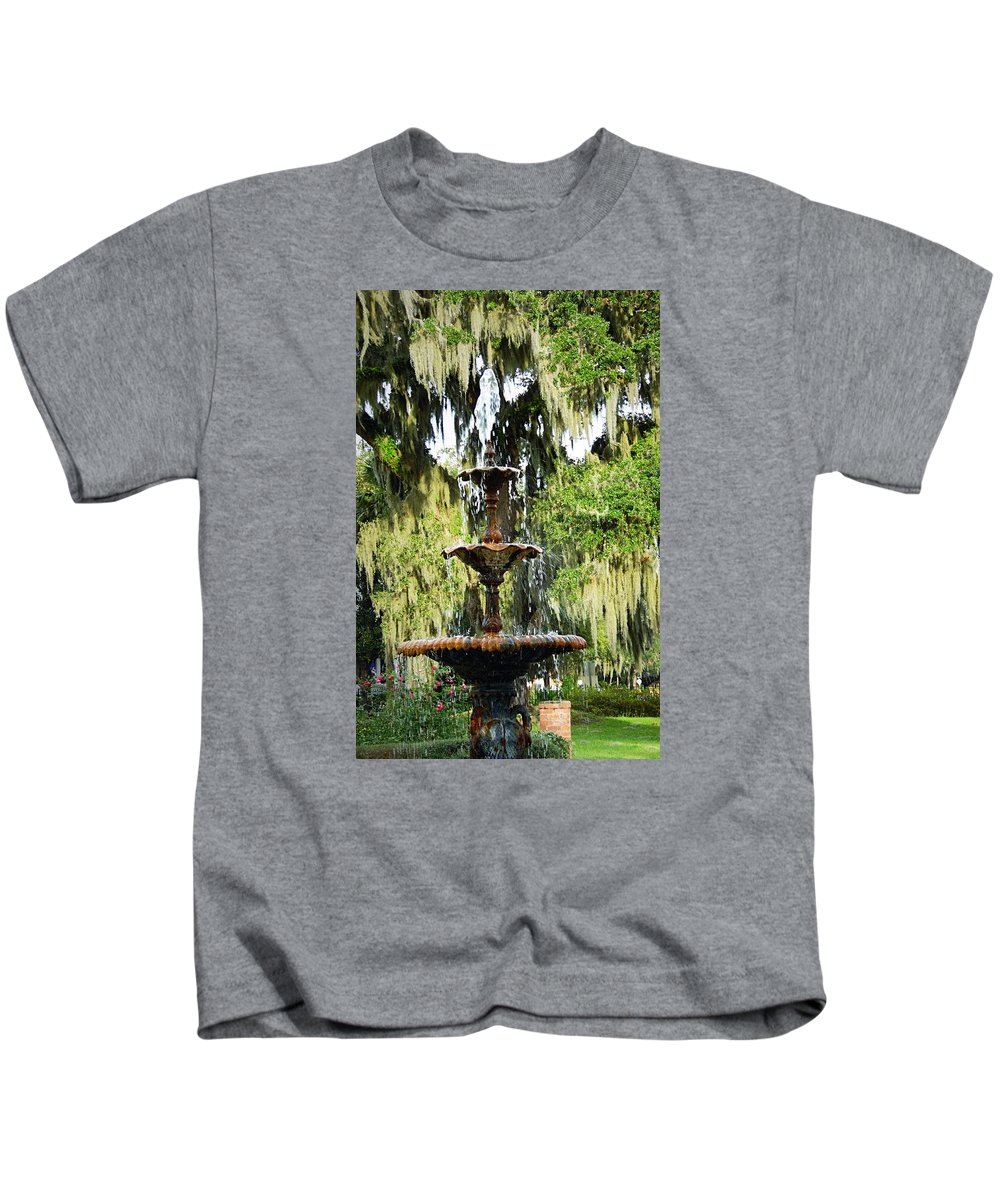 Water Fountain Kids T-Shirt featuring the photograph At The Square by Teresa Palmer
