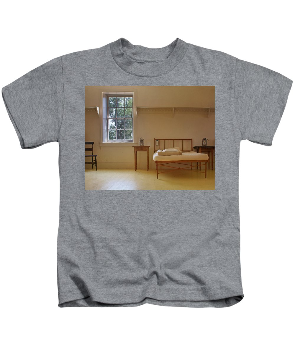 Bed Kids T-Shirt featuring the photograph Bed - Infirmary - Fort Larned - Kansas by Nikolyn McDonald