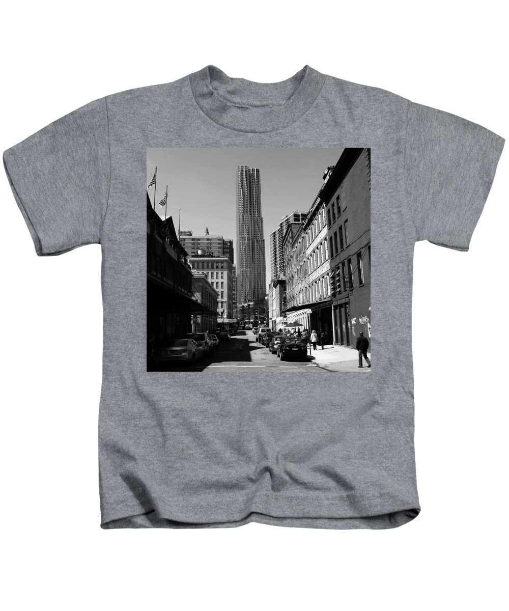 Beekman Kids T-Shirt featuring the photograph Beekman Tower 2 by Andrew Fare