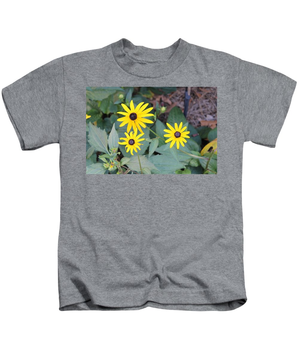 Black Eyed Susan Kids T-Shirt featuring the photograph Black Eyed Susan by Leah Bragg