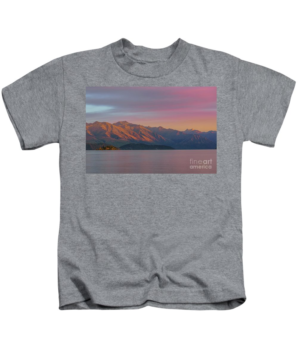 Wanaka Kids T-Shirt featuring the photograph Burning Mountain by Kamrul Arifin Mansor