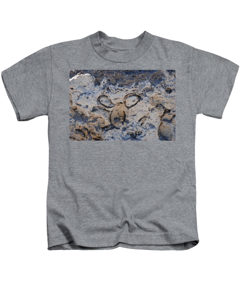 Ocean Kids T-Shirt featuring the photograph Carved Catface by Rob Hans