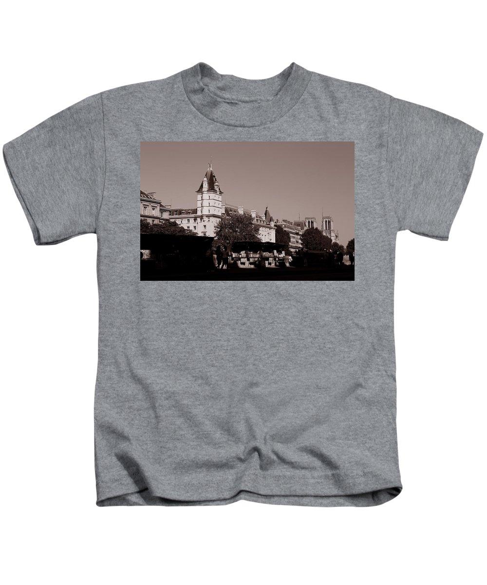 Paris Kids T-Shirt featuring the photograph Classic Paris 12c by Andrew Fare