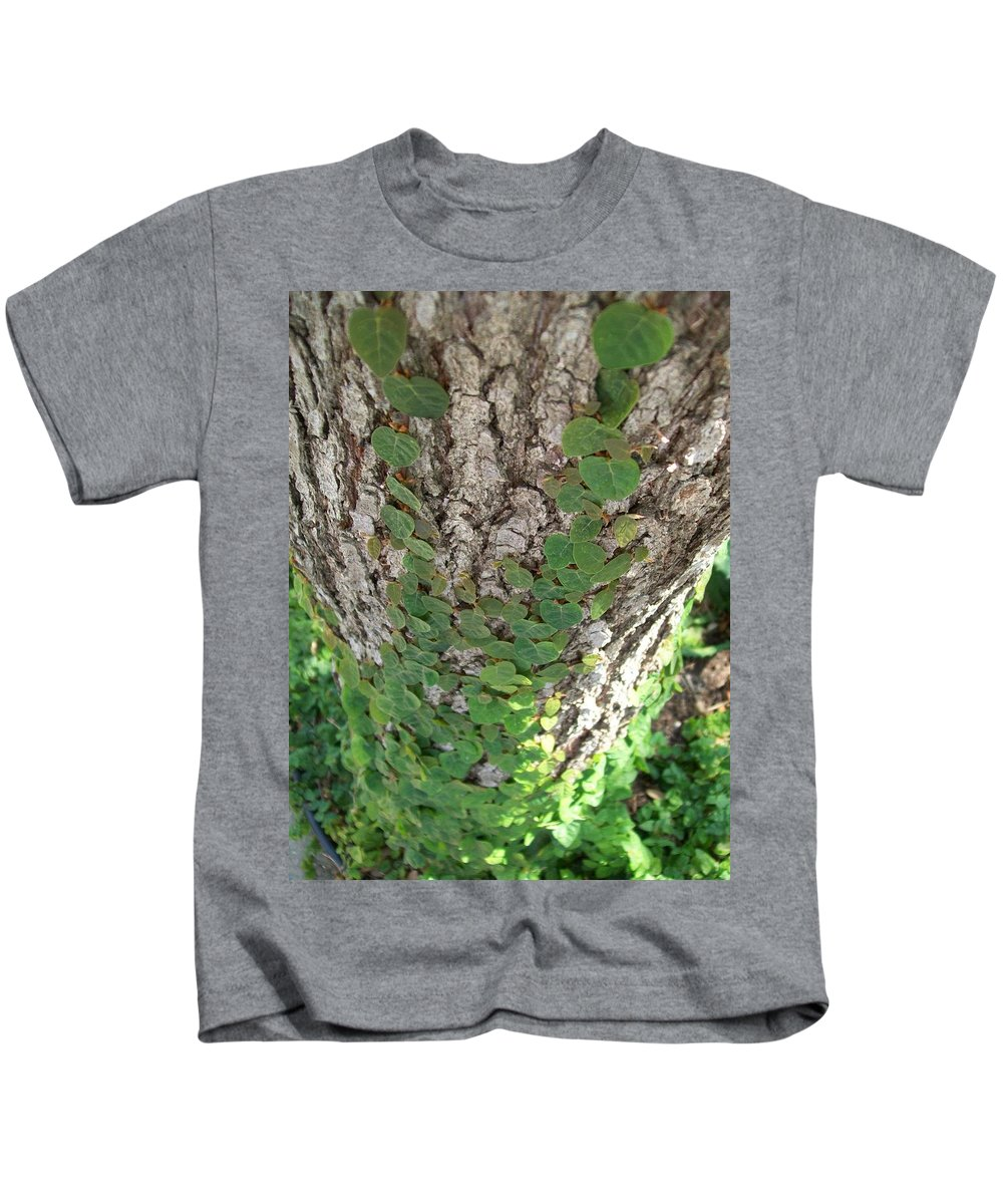 Ivy Kids T-Shirt featuring the photograph Climbers by Laurette Escobar
