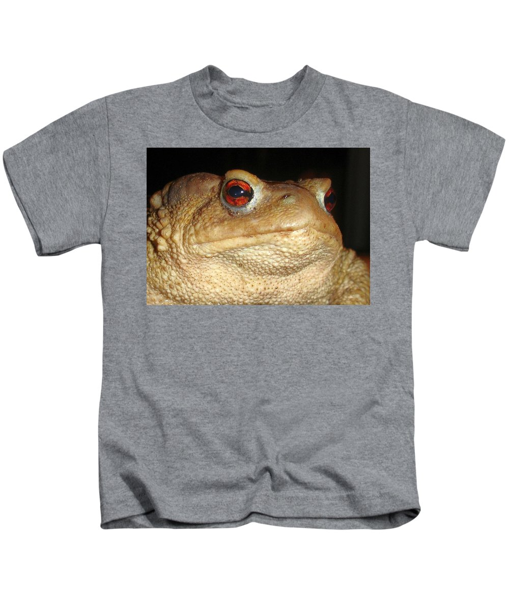 Amphibian Kids T-Shirt featuring the photograph Close Up Portrait Of A Common Toad by Taiche Acrylic Art