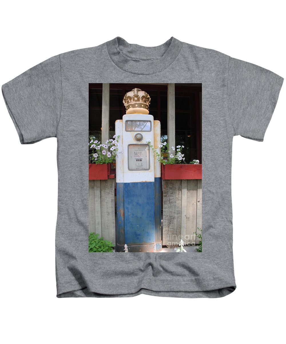 Standard Oil Kids T-Shirt featuring the photograph Crown Blue by Jost Houk