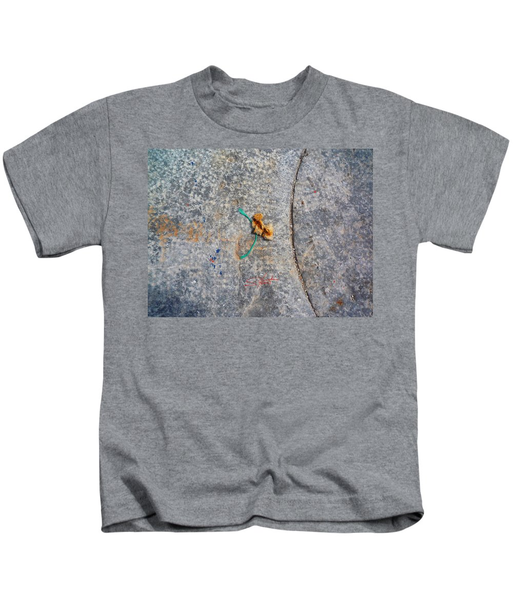 Fishing Net Kids T-Shirt featuring the photograph Curve And Counter Curve by Charles Stuart