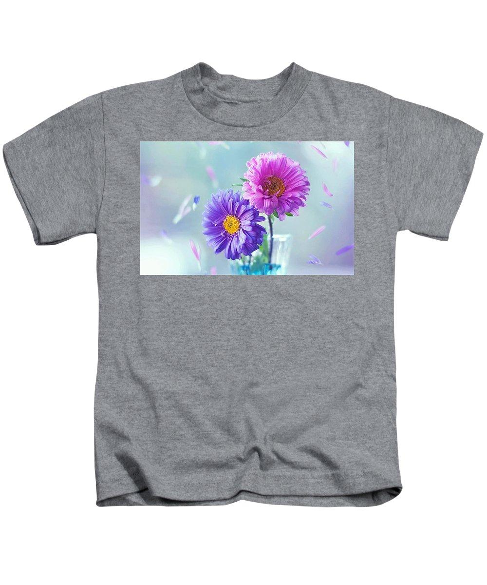 Daisy Kids T-Shirt featuring the digital art Daisy by Dorothy Binder
