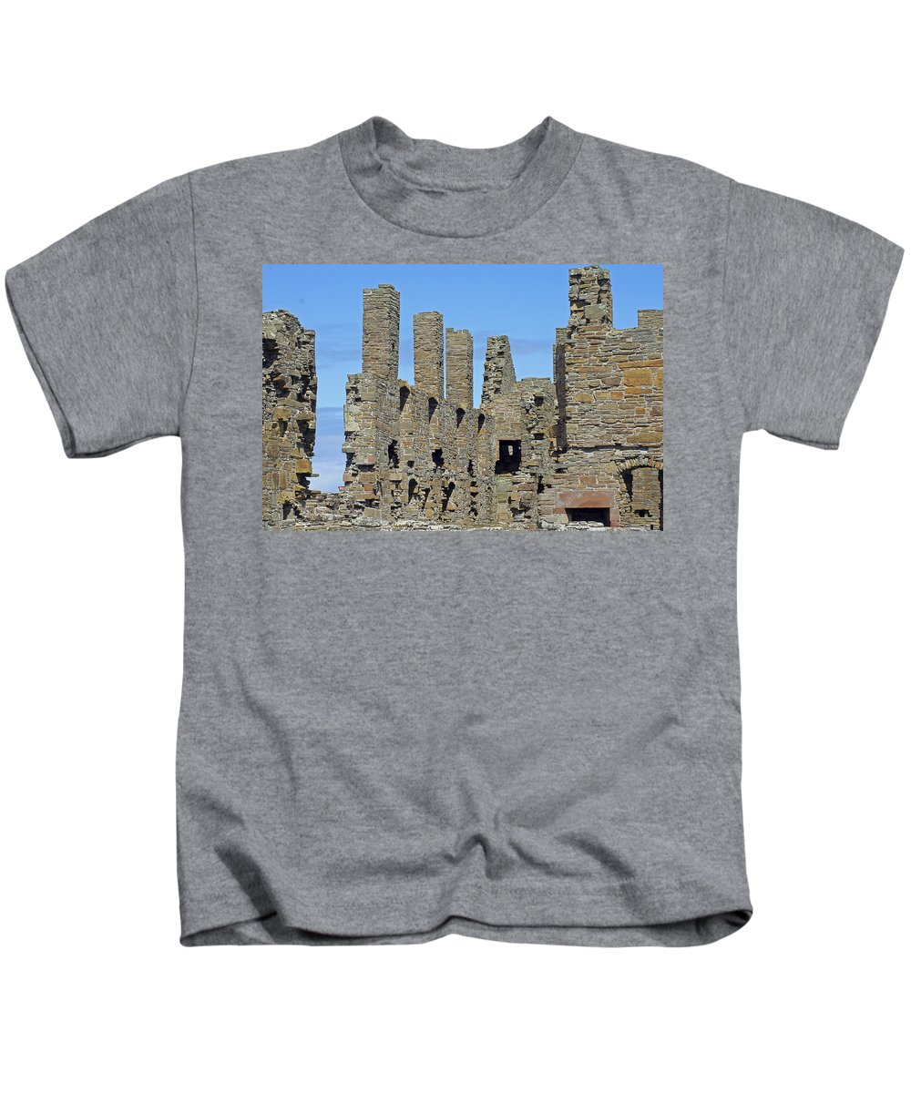 Earl's Palace Kids T-Shirt featuring the photograph Earl's Palace by Tony Murtagh