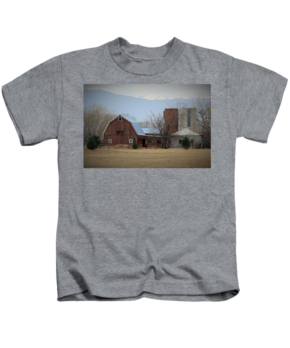 Colorado Kids T-Shirt featuring the photograph Farm In The Foothills by Chris Oh