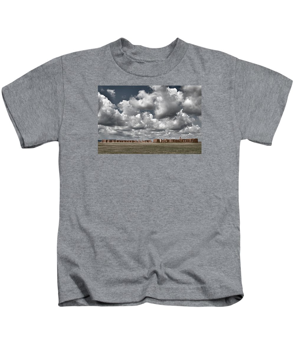 American Southwest Kids T-Shirt featuring the photograph Fort Union New Mexico by Alan Toepfer