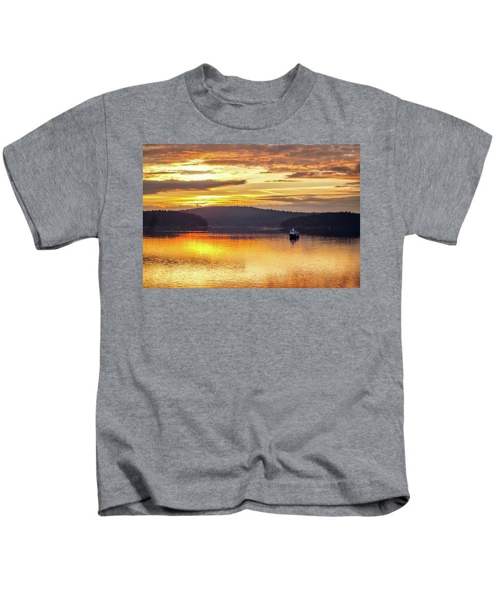 Washington Kids T-Shirt featuring the photograph Golden Sunset by Pixabay