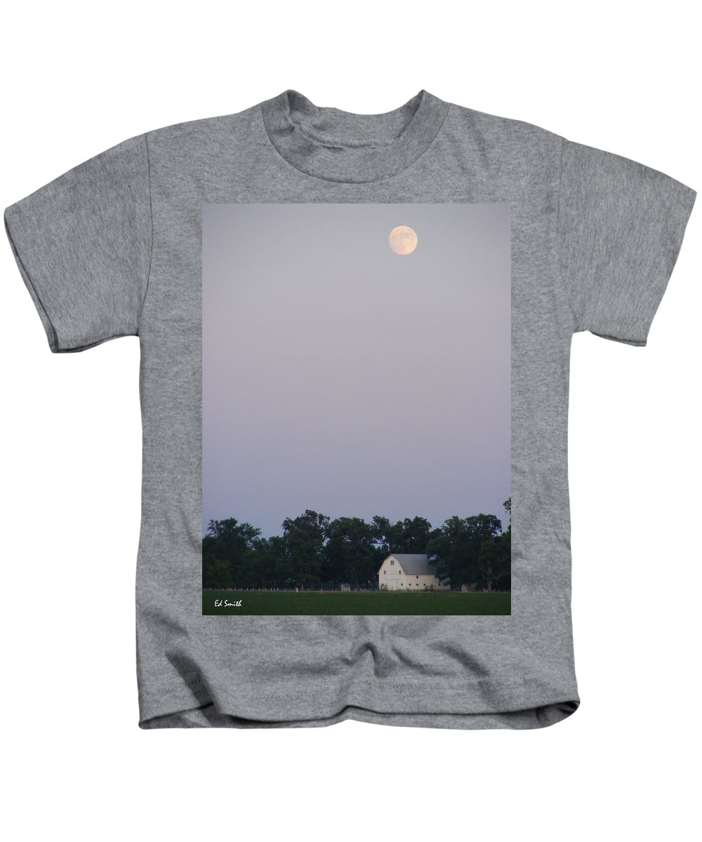 Good Night John Boy Kids T-Shirt featuring the photograph Good Night John Boy by Edward Smith