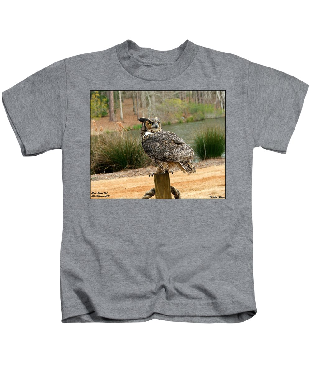 Wildlife Kids T-Shirt featuring the photograph Great Horned Owl 1 by Robert Meanor