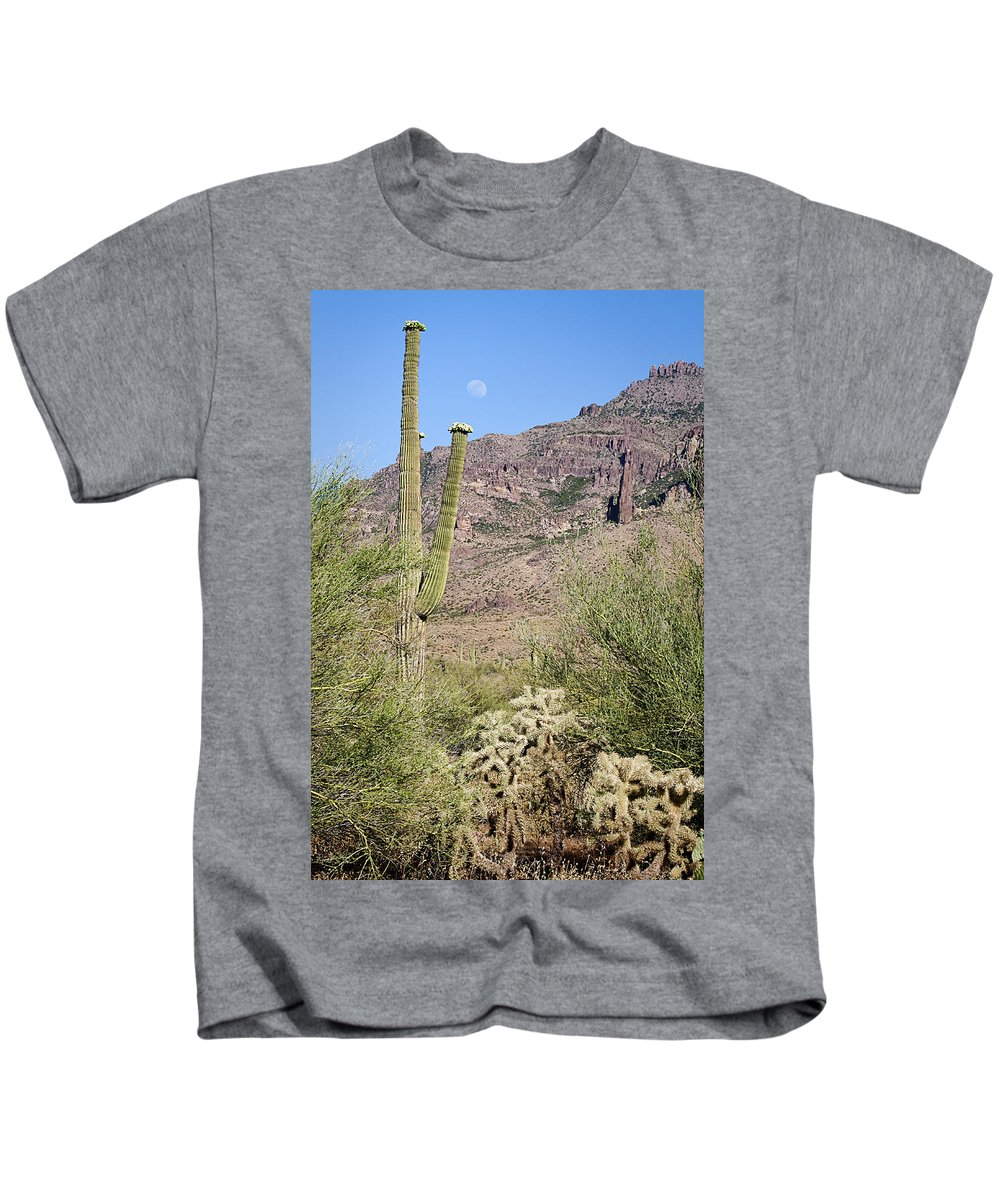 Landscape Kids T-Shirt featuring the photograph Greeting The Night by Phyllis Denton