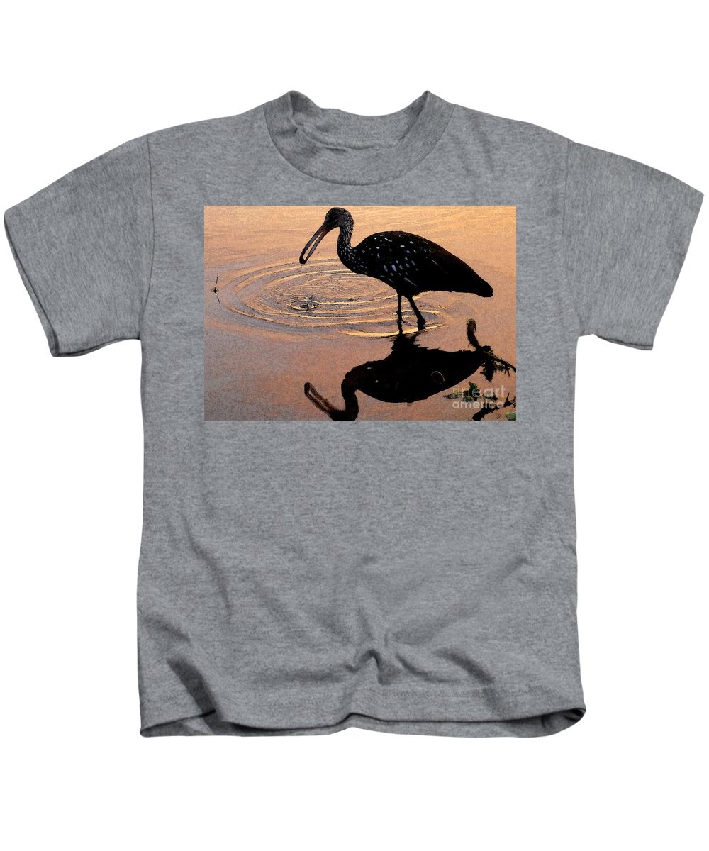 Ibis Kids T-Shirt featuring the painting Ibis At Dusk by David Lee Thompson