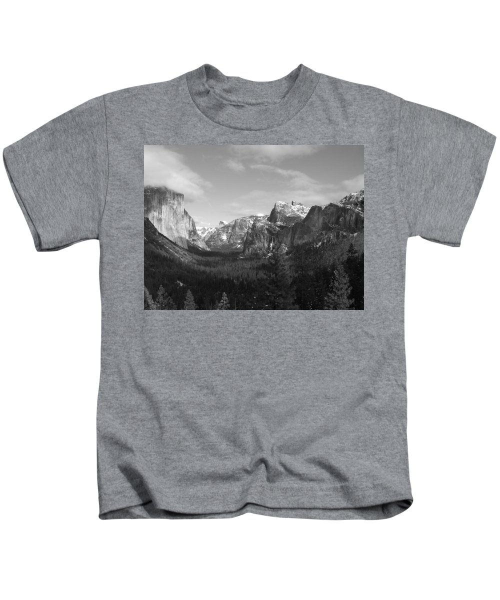 Yosemite Kids T-Shirt featuring the photograph Inspiration Point by Travis Day