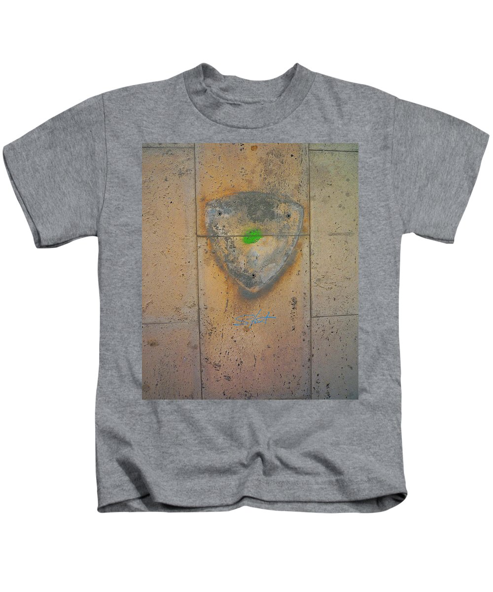 Fishing Net Kids T-Shirt featuring the photograph Klee by Charles Stuart