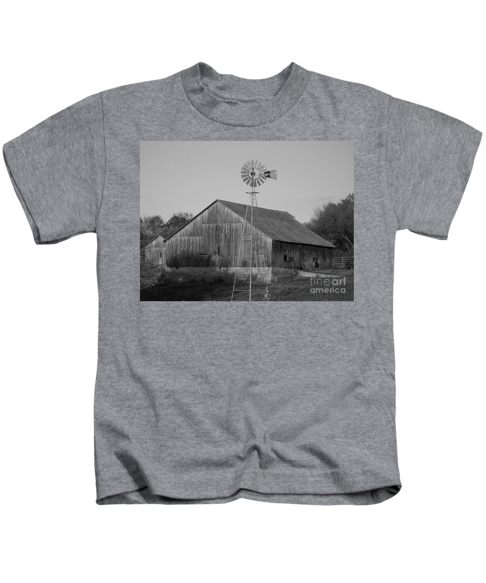 Barn Kids T-Shirt featuring the photograph Laurel Road Barn In Black And White by Brook Steed