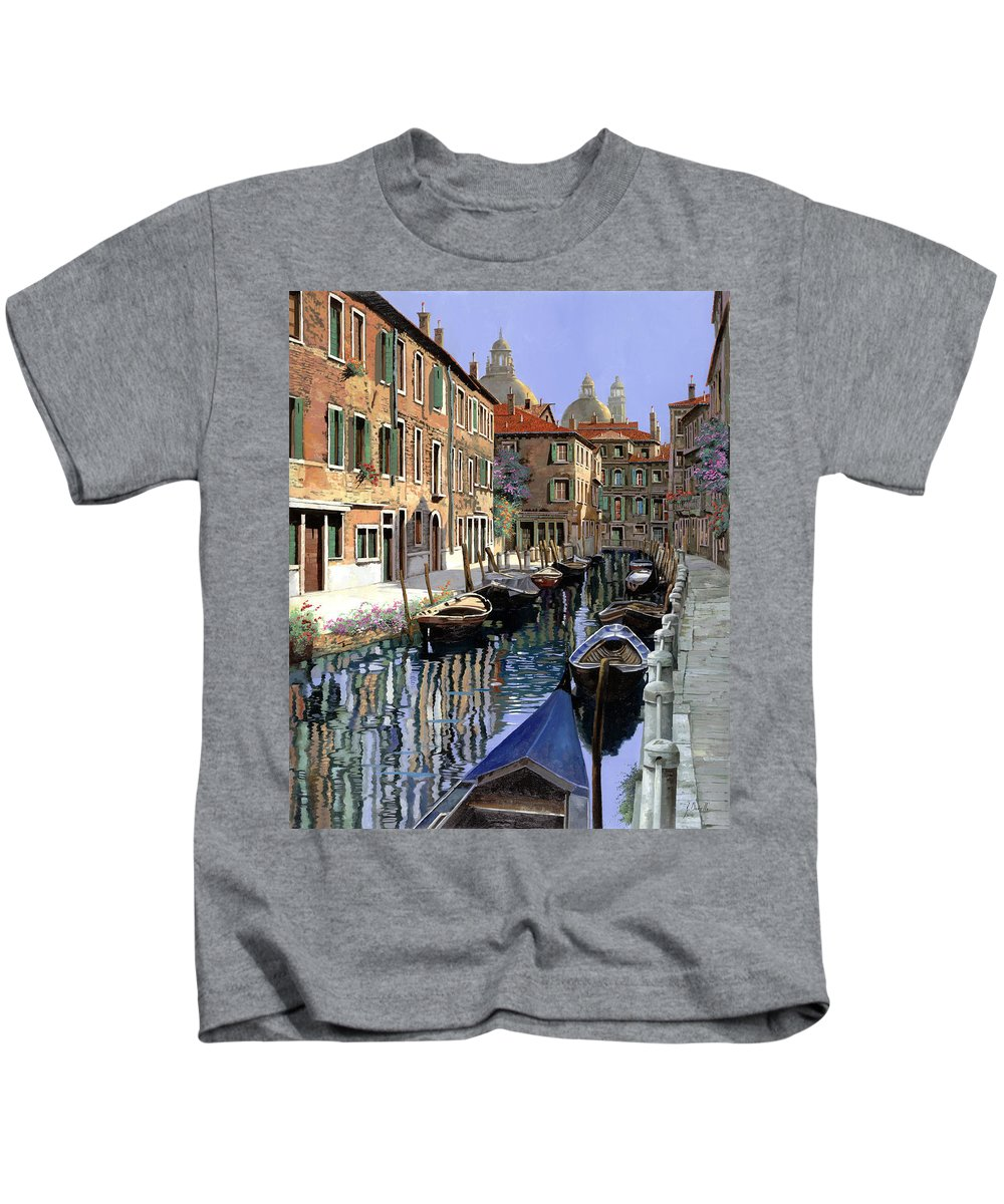 Venice Kids T-Shirt featuring the painting Le Barche Sul Canale by Guido Borelli