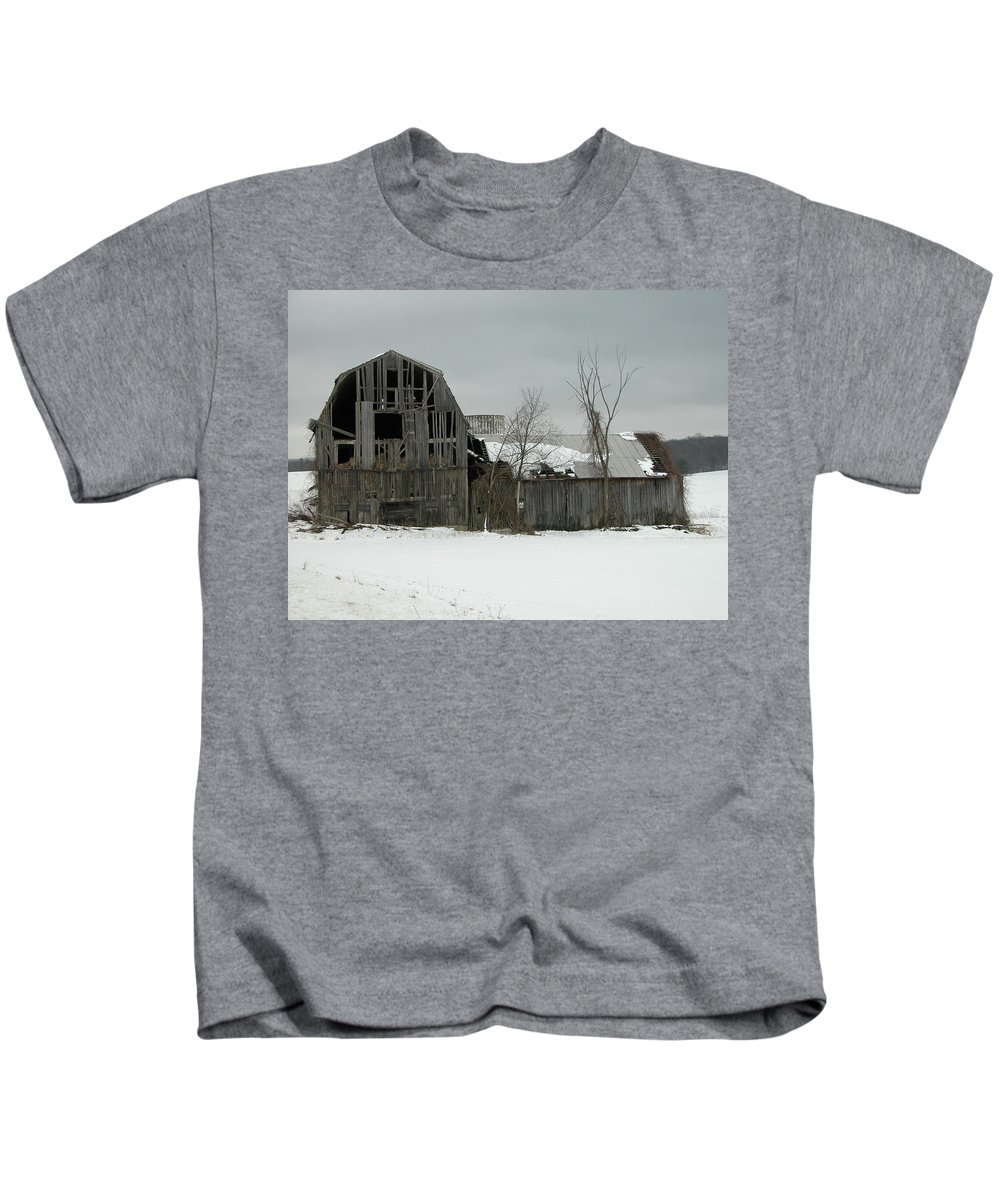 Barn Kids T-Shirt featuring the photograph Letchworth Barn 0077b by Guy Whiteley