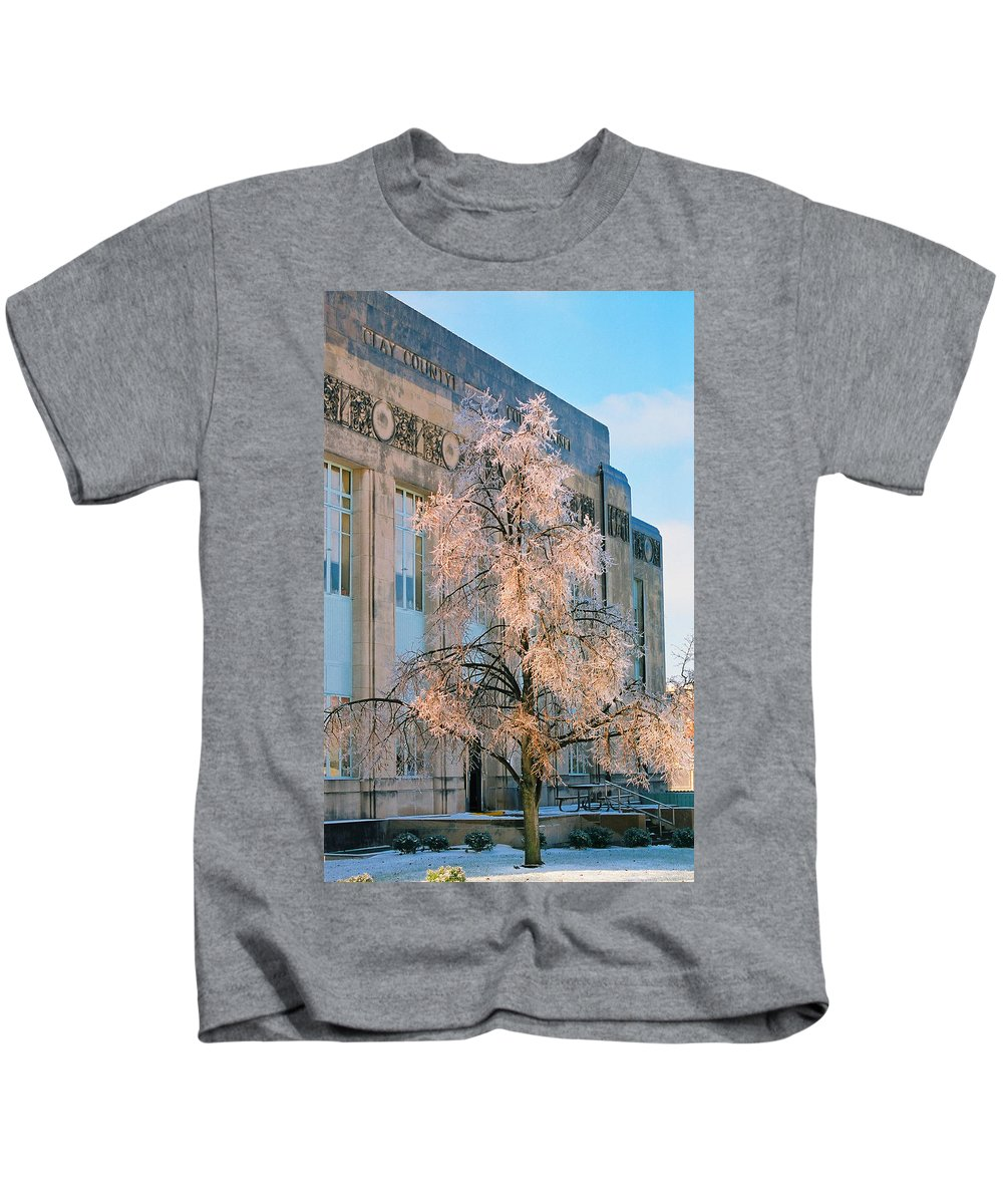 Architecture Kids T-Shirt featuring the photograph Liberty Court House by Steve Karol