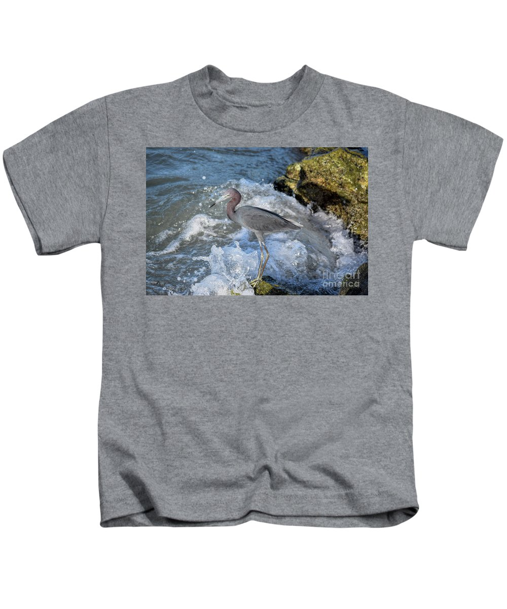 Little Blue Heron Kids T-Shirt featuring the photograph Little Blue And A Splash by William Tasker