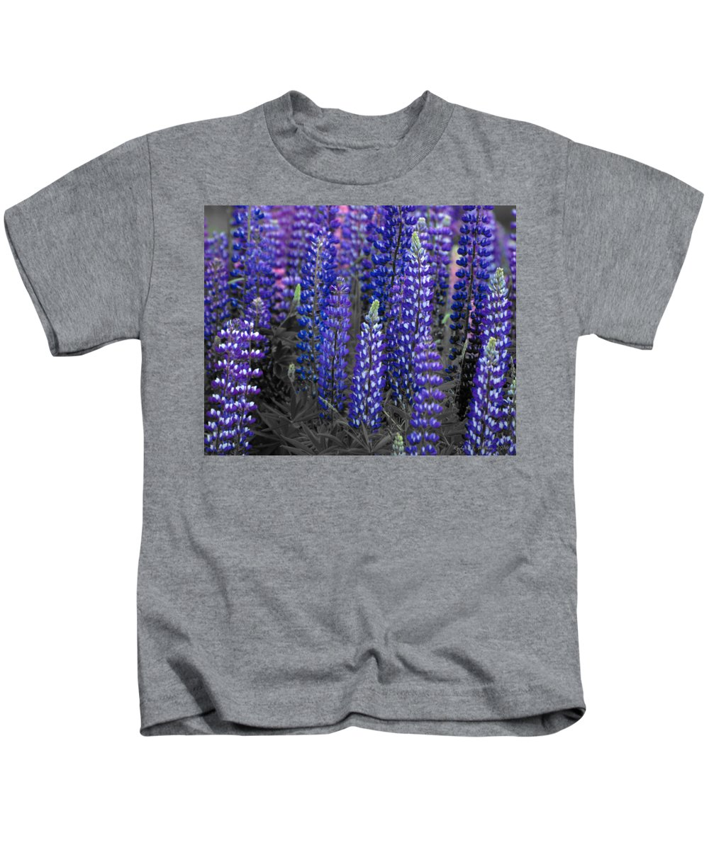 Canada Kids T-Shirt featuring the photograph Lupins 2016 34a by Rodger Wilkie