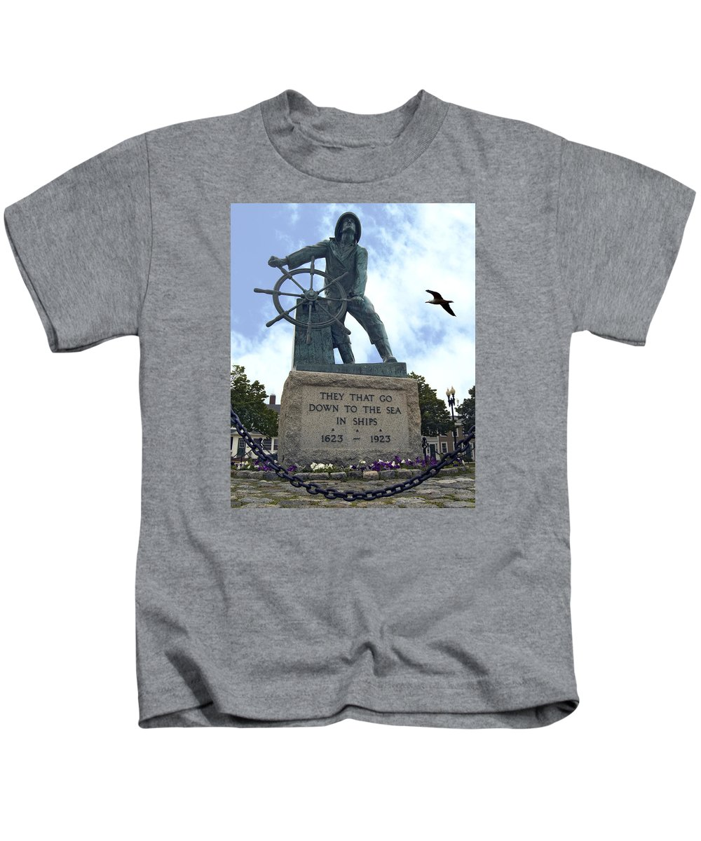 Gloucester Fisherman Kids T-Shirt featuring the photograph Man At The Wheel by Dave Saltonstall