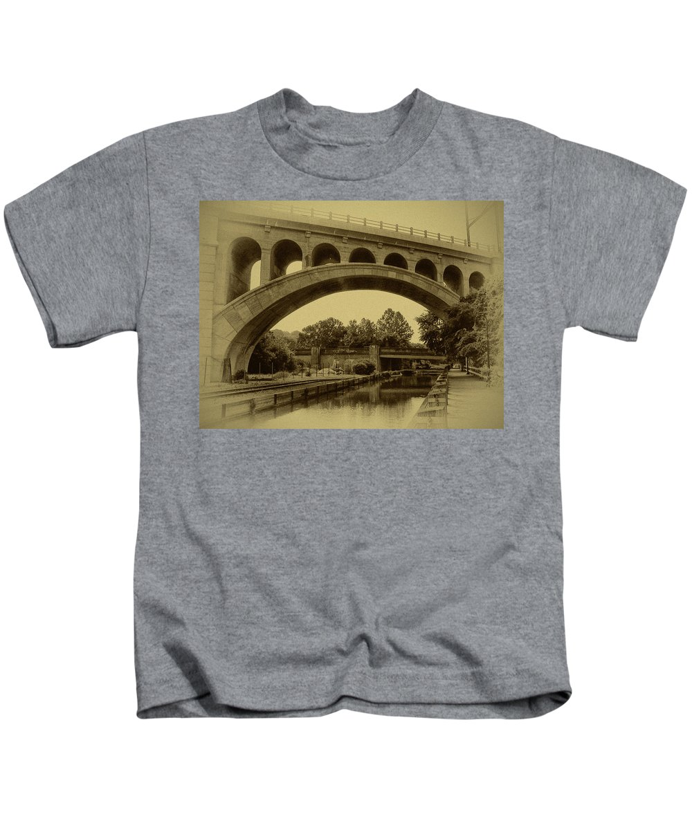 Manayunk Kids T-Shirt featuring the photograph Manayunk Canal In Sepia by Bill Cannon
