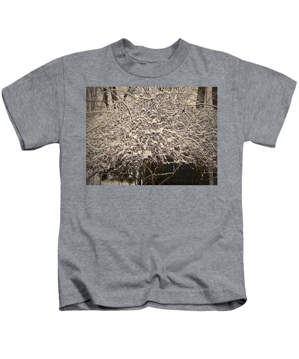Kids T-Shirt featuring the photograph Medusa Revisited by Elizabeth Tillar