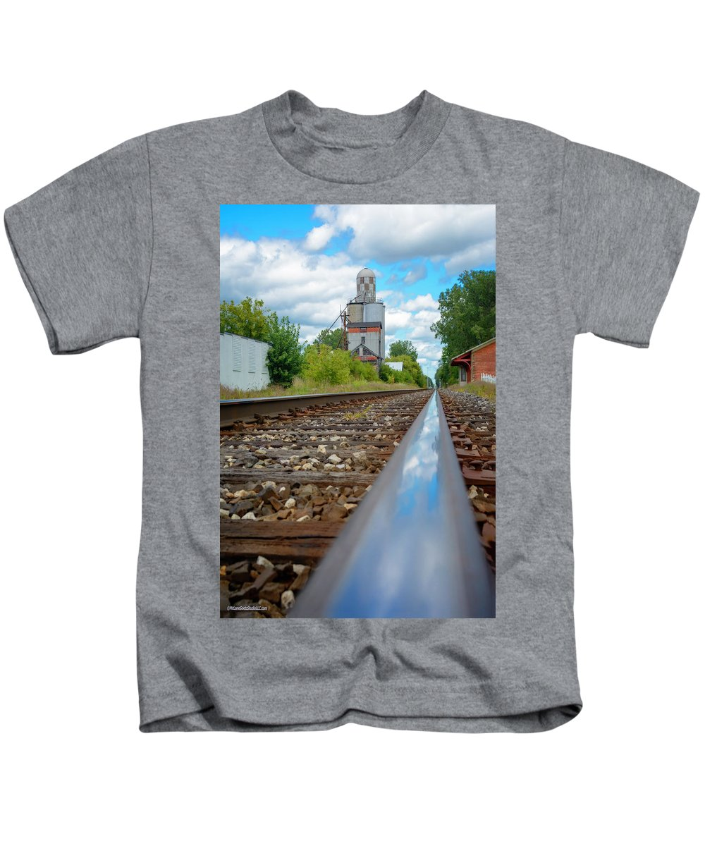 Train Kids T-Shirt featuring the photograph Mi New Haven Rail Road Reflections by LeeAnn McLaneGoetz McLaneGoetzStudioLLCcom
