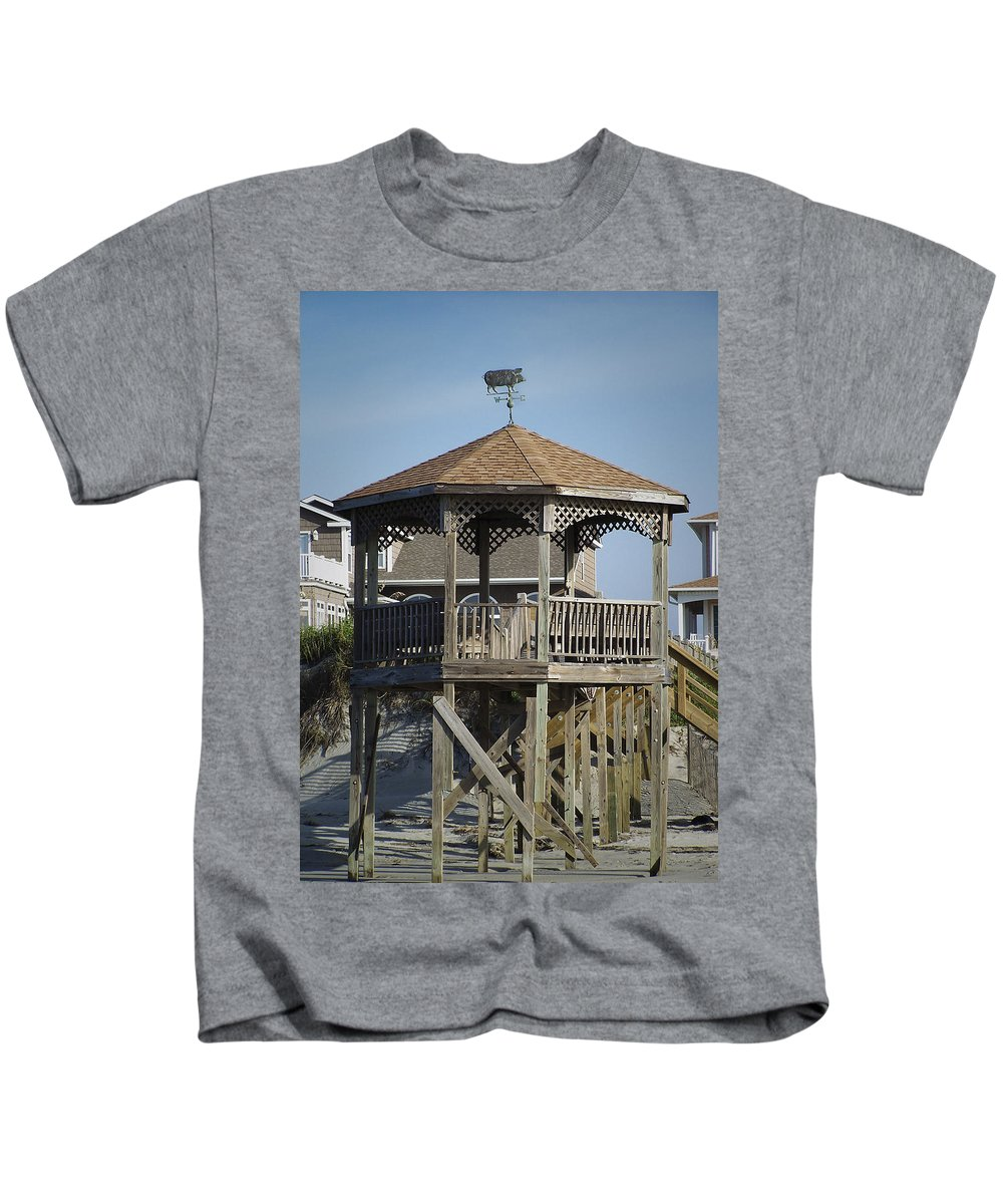 Ocean Kids T-Shirt featuring the photograph Ocean Isle Pig Weathervane by Teresa Mucha
