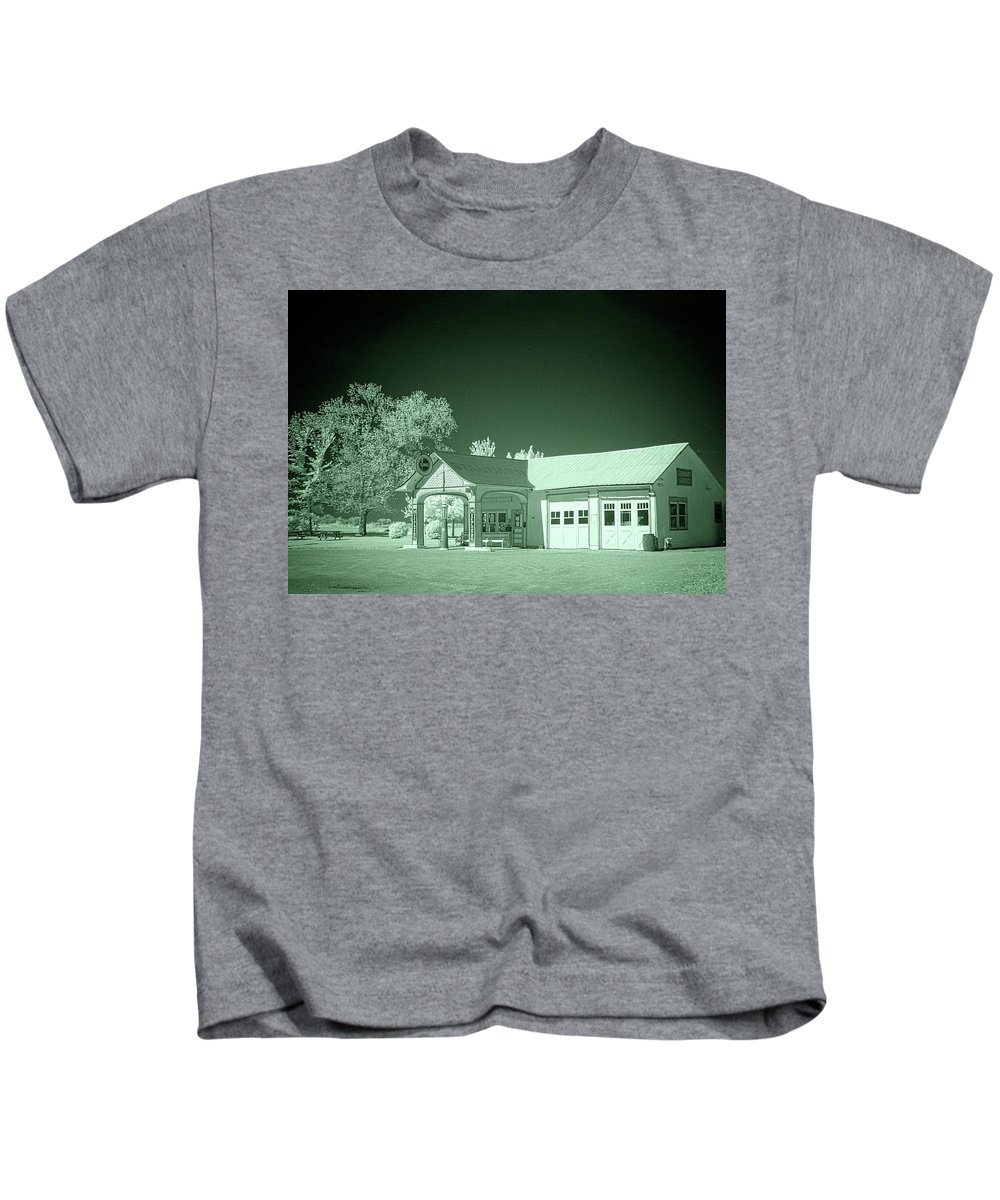 Odell Kids T-Shirt featuring the photograph Odell Station 2 by Fred Hahn