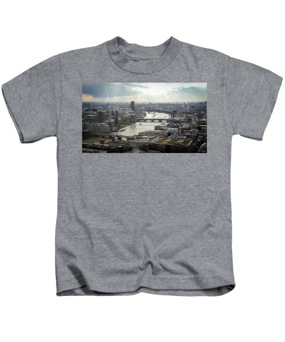 River Thames Kids T-Shirt featuring the photograph Ol' Man River by Milton Cogheil