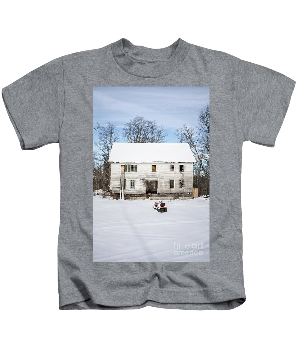 Tractor Kids T-Shirt featuring the photograph Old House In The Snow Springfield New Hampshire by Edward Fielding