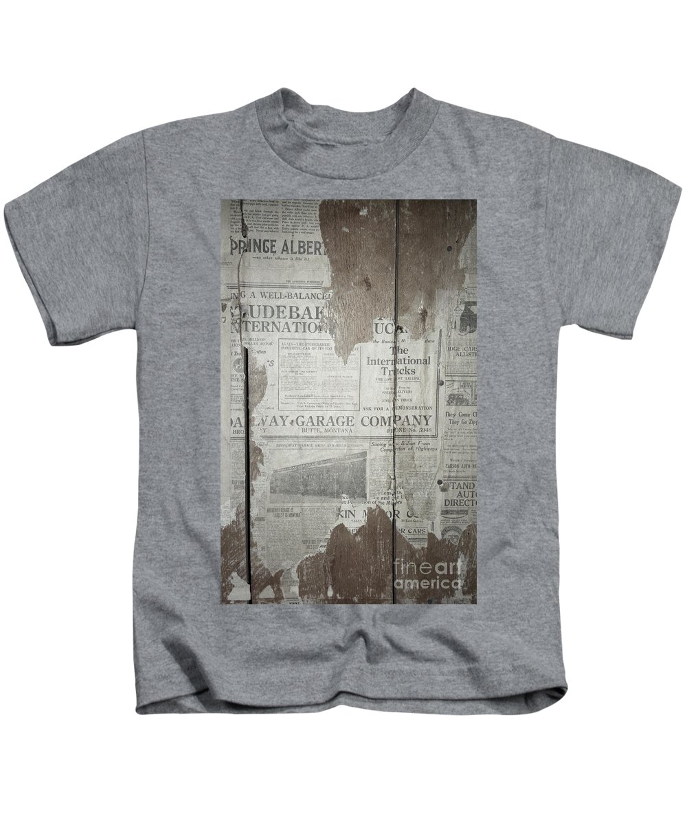 Newspapers Kids T-Shirt featuring the photograph Old News by Richard Rizzo