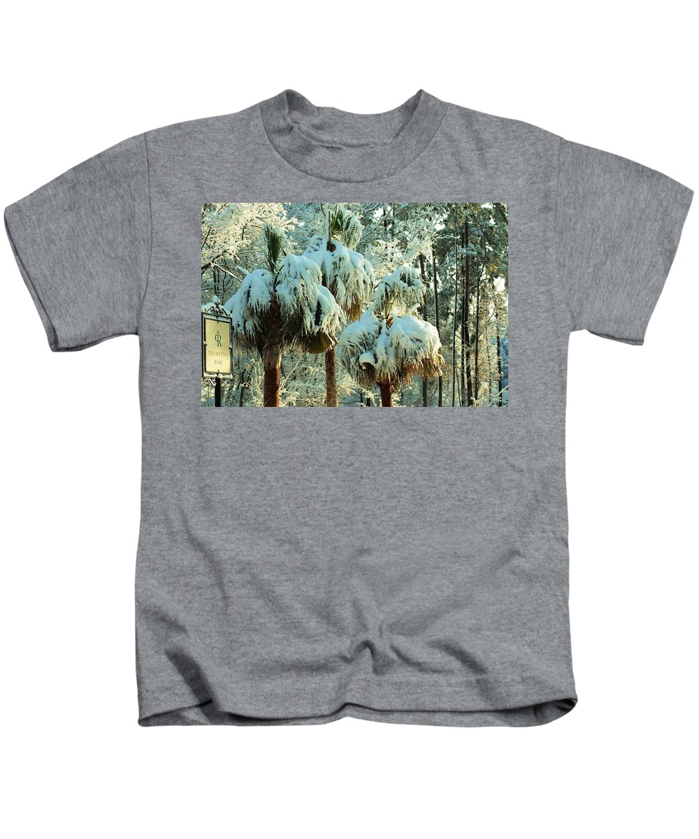 Palms Kids T-Shirt featuring the photograph Palmetto Row by Donna Bentley