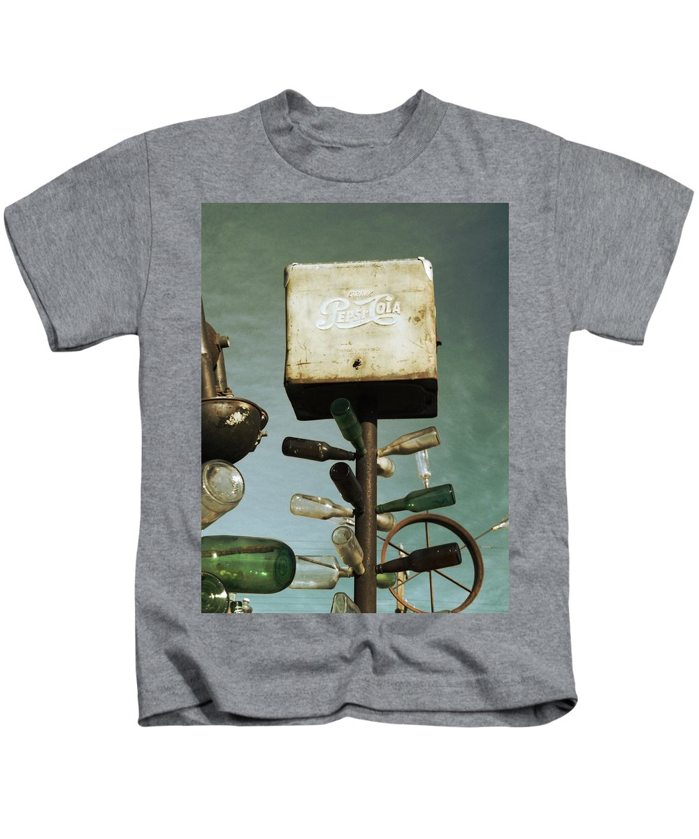 Glenn Mccarthy Kids T-Shirt featuring the photograph Pepsi Bottle Tree - Route 66 by Glenn McCarthy Art and Photography