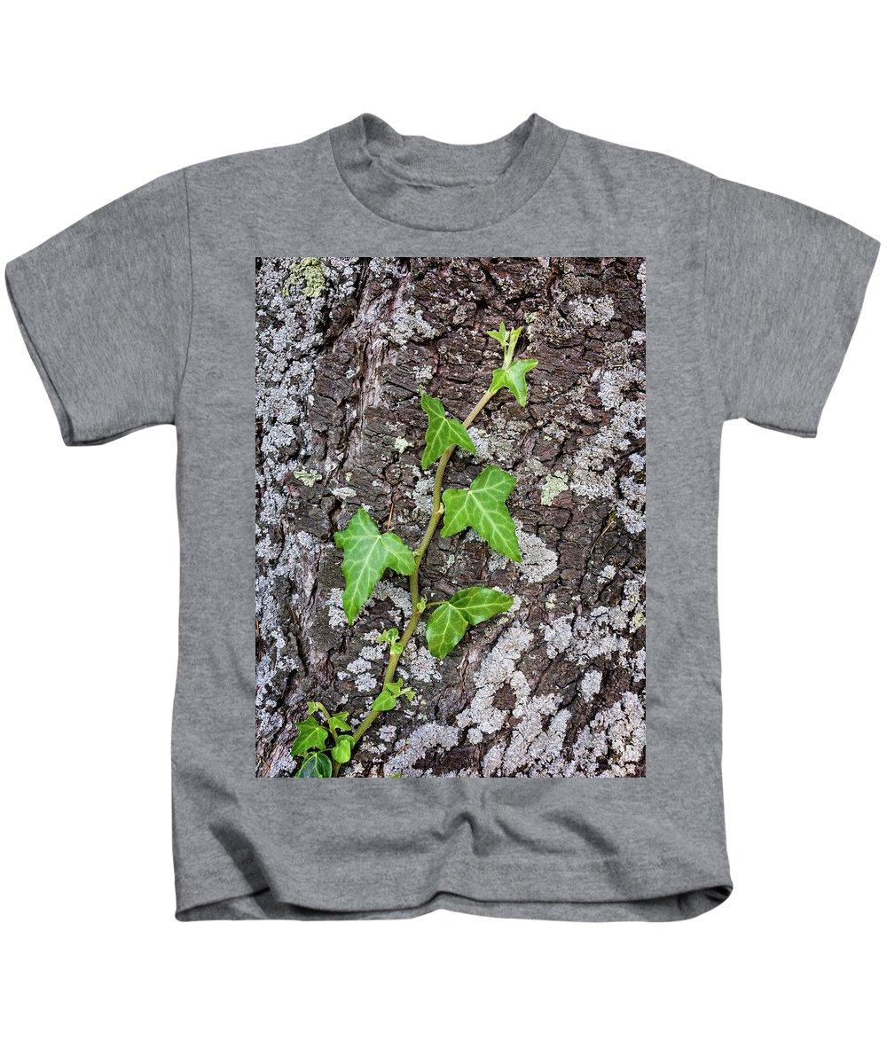 Background Kids T-Shirt featuring the photograph Plant by Paulo Goncalves