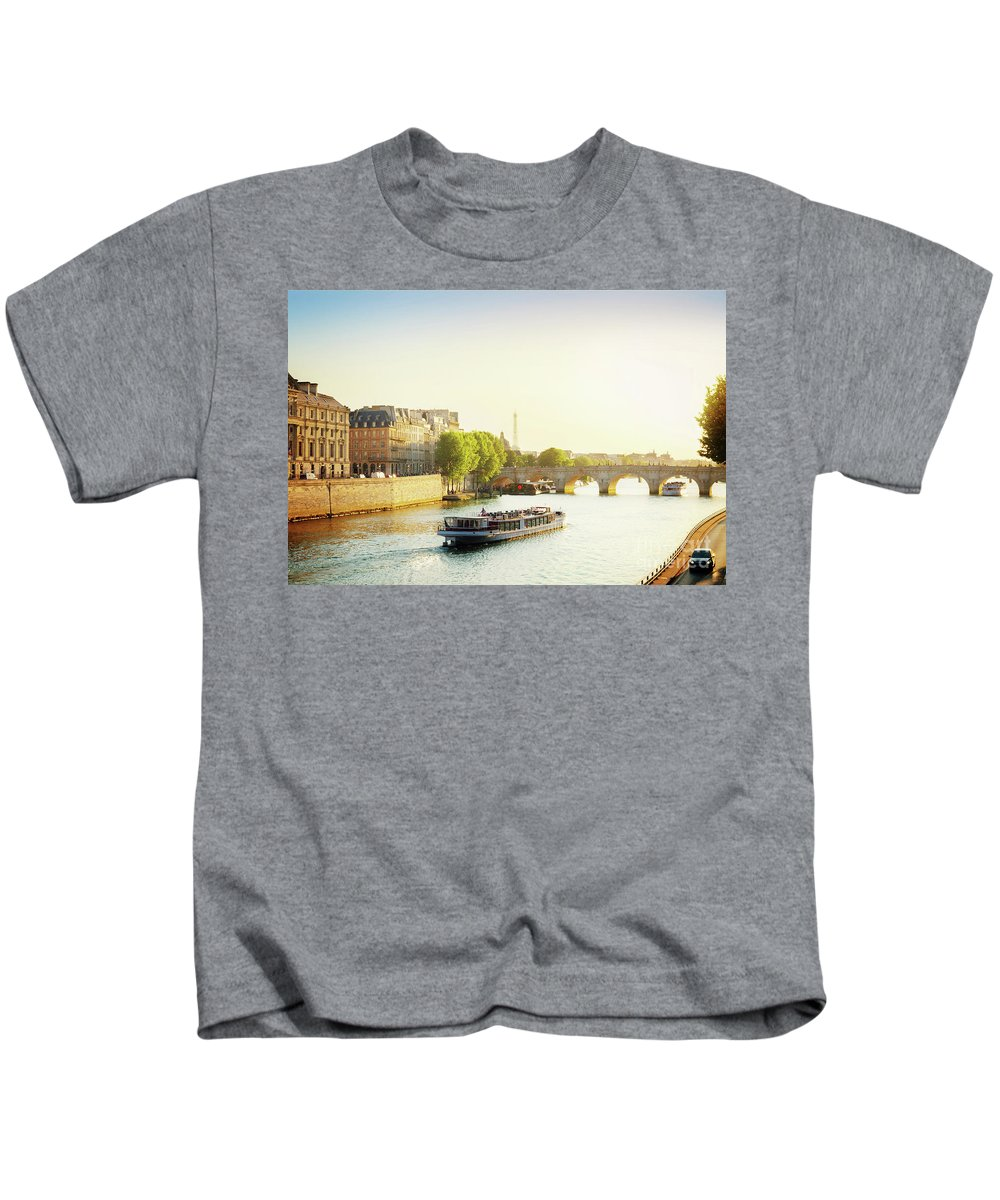 Paris Kids T-Shirt featuring the photograph Pont Neuf In Sunset Light by Anastasy Yarmolovich