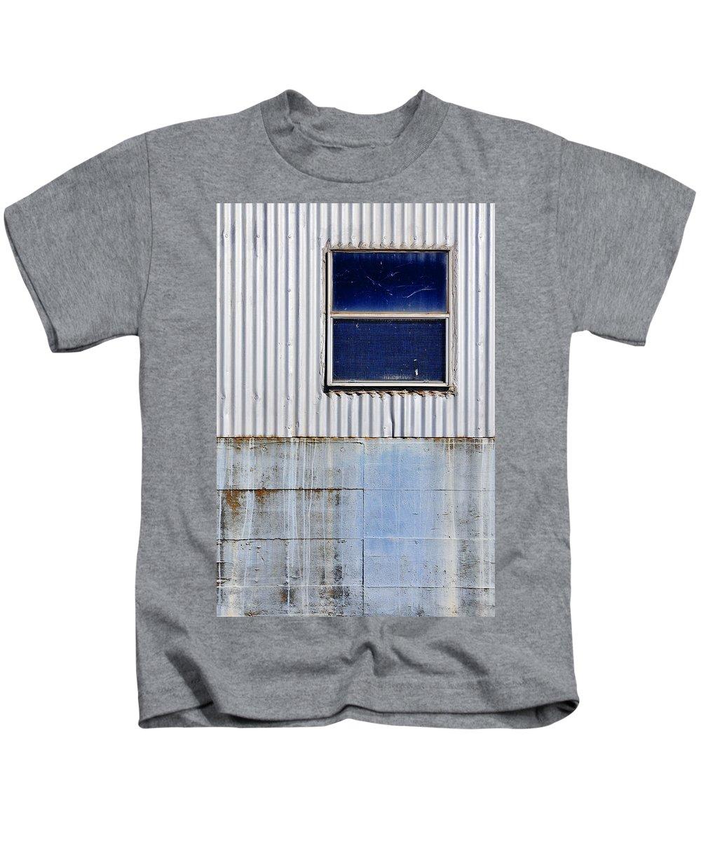 Skip Hunt Kids T-Shirt featuring the photograph Powder Blu by Skip Hunt