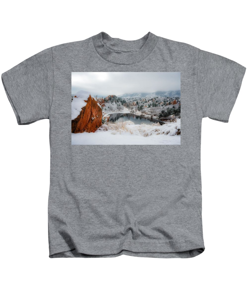 United States Kids T-Shirt featuring the photograph Red Rock Canyon In Winter 2 by Dale Poll