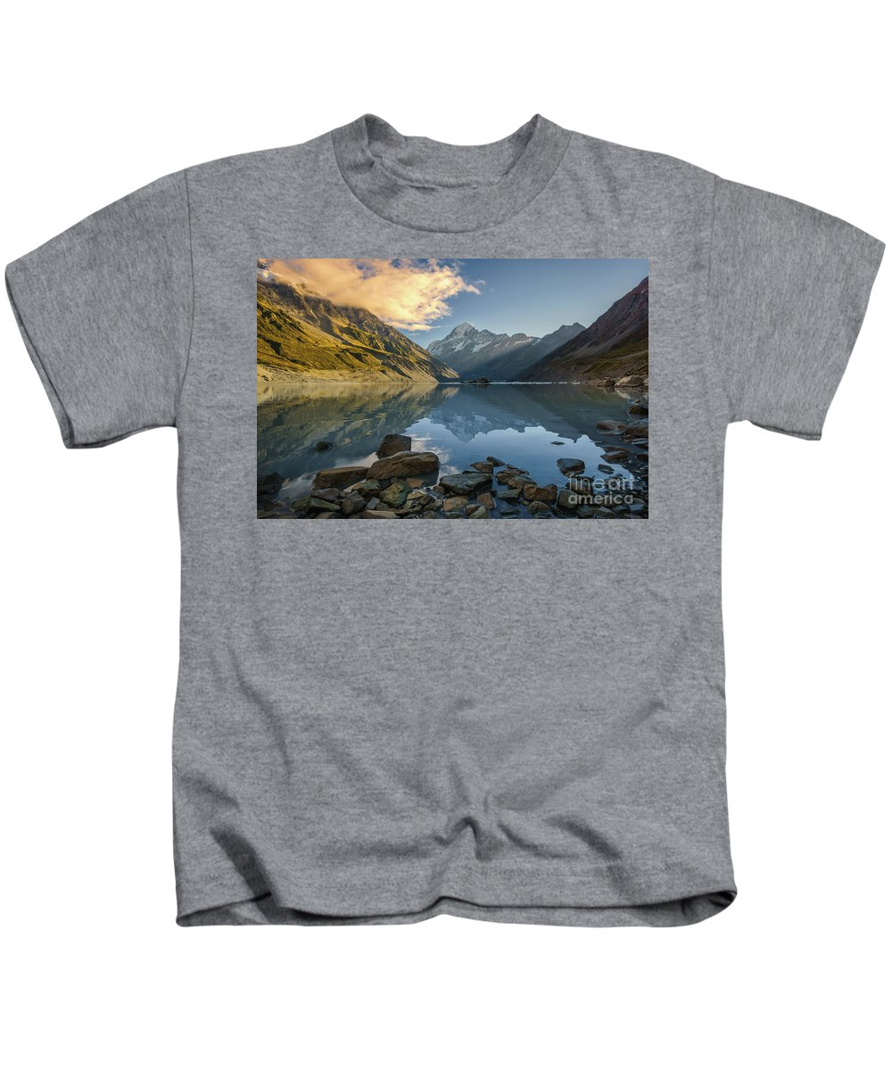 Mount Cook Kids T-Shirt featuring the photograph Reflection Of Aoraki by Kamrul Arifin Mansor