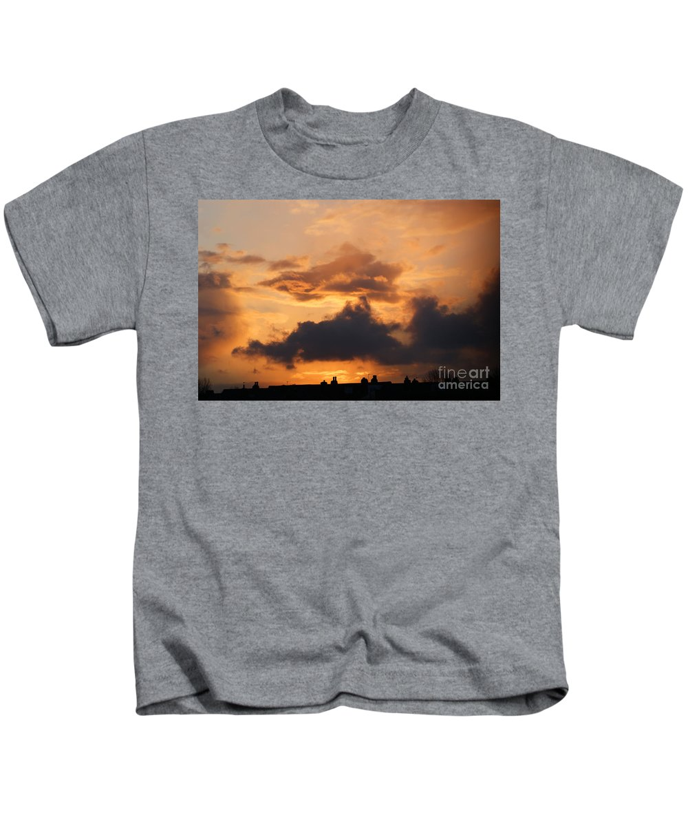Sunset Kids T-Shirt featuring the photograph Rooftop Sunset 3 by Carol Lynch