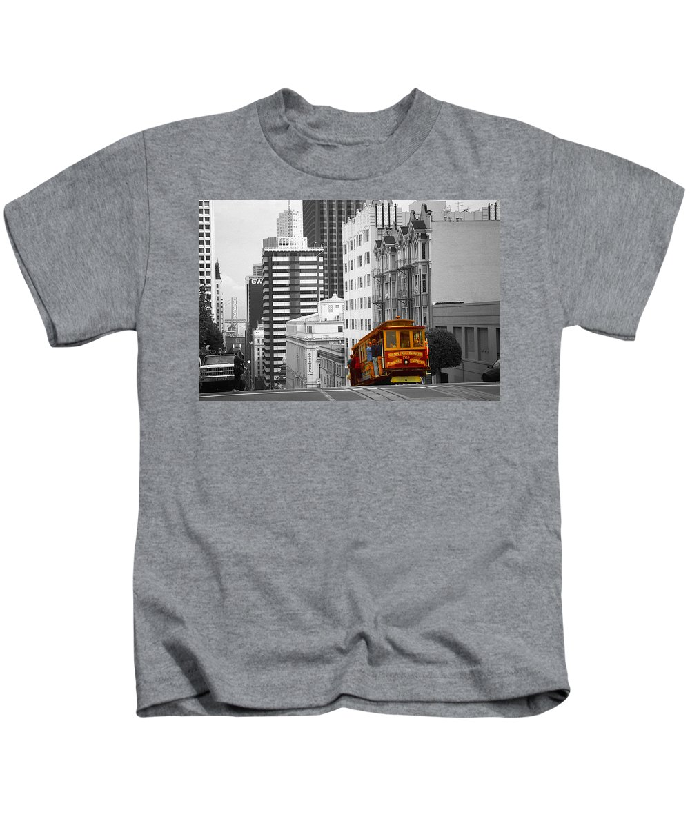 San+francisco Kids T-Shirt featuring the photograph San Francisco - Red Cable Car by Peter Potter