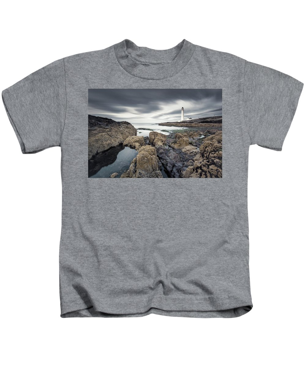 Scurdie Ness Kids T-Shirt featuring the photograph Scurdie Ness 1 by Dave Bowman