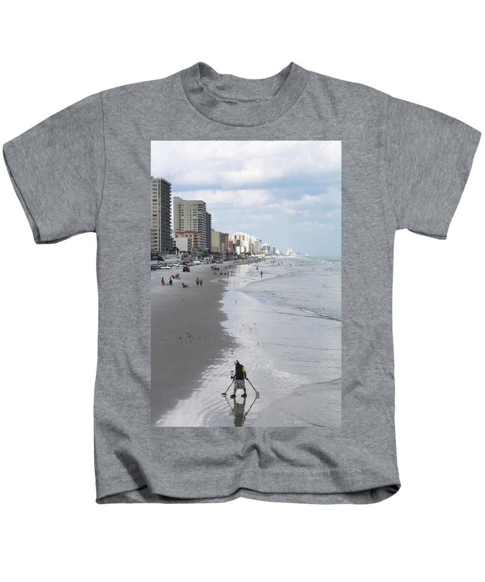 Ocean Kids T-Shirt featuring the photograph Searching For Gold by Deborah Benoit