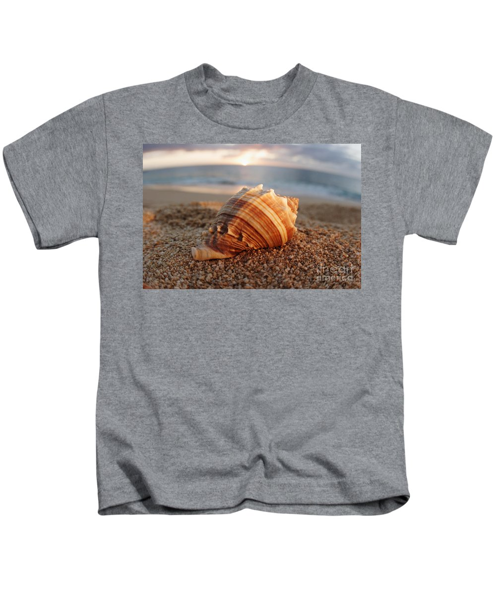 Background Kids T-Shirt featuring the photograph Seashell In The Sand by Vince Cavataio - Printscapes